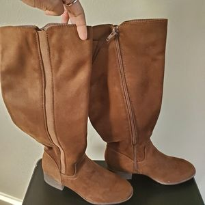 Time & Tru Brown Suede Boots Size 6 NWT